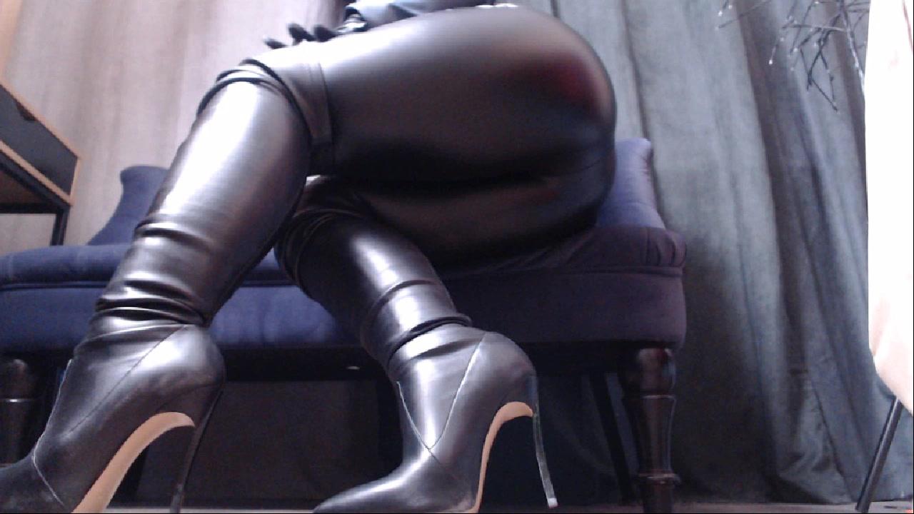 Model - BossMichelle feet