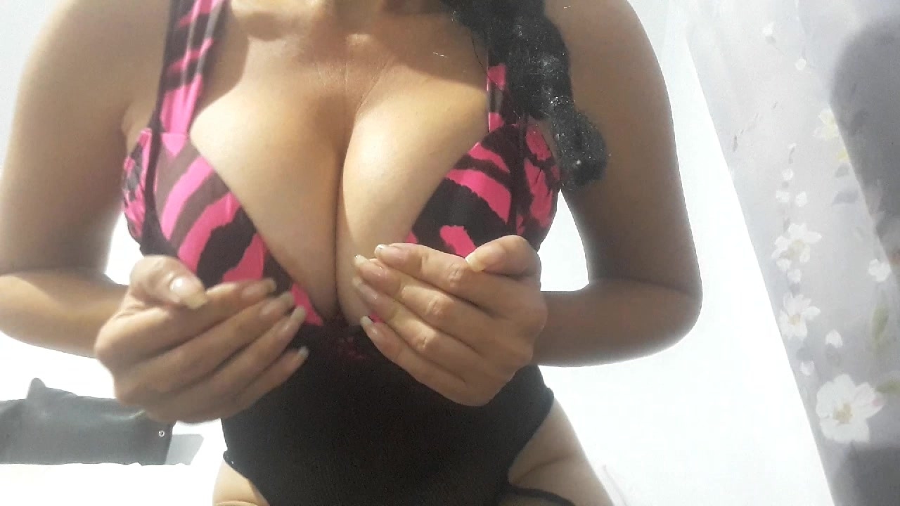 Model - SquirtingAngie deepthroat